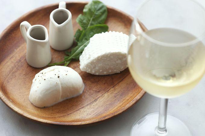 「出来たてモッツァレッラ&リコッタ」をワインと共に