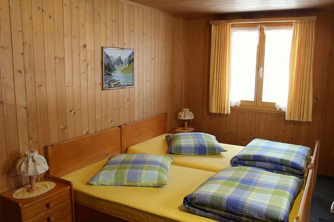 アルプス風の可愛らしい客室!個室の他にドミトリーも!