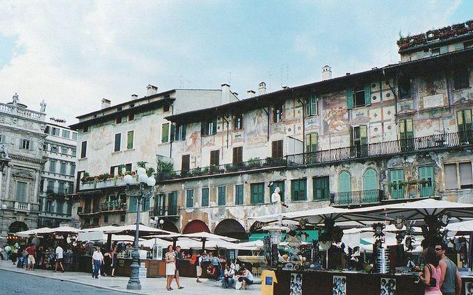 エルベ広場の歴史は古代ローマ時代から!