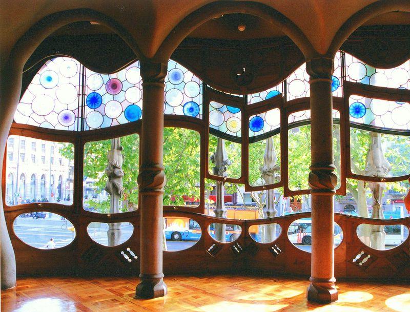 カタルーニャの自然を愛した天才!バルセロナ・ガウディの作品群を巡ろう!