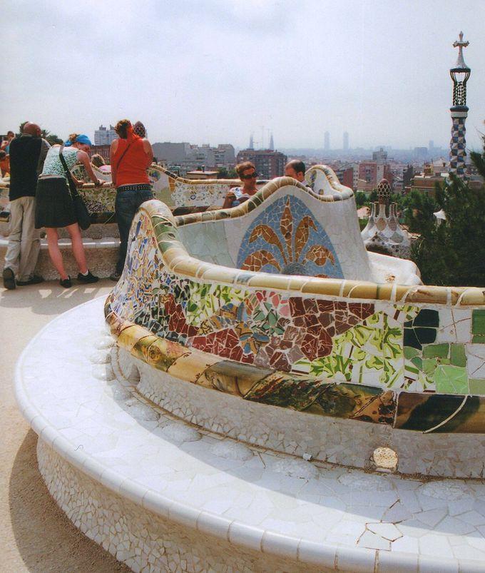 地中海とバルセロナを眺める絶景ポイント!