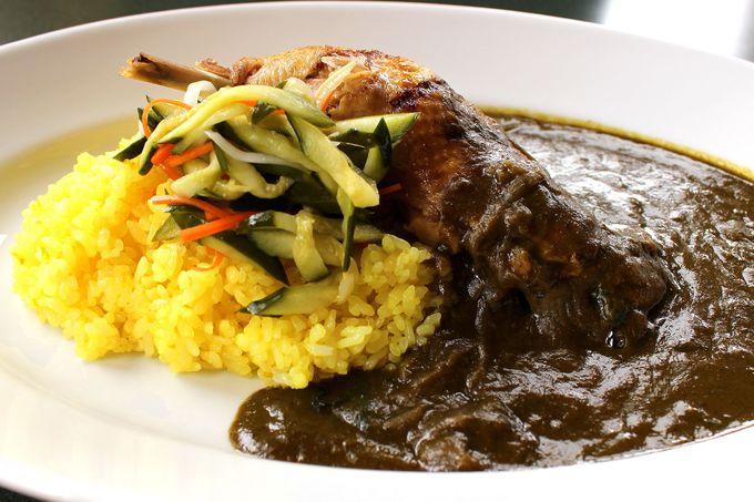 霧降の滝を望む「山のレストラン」で味わう至福カレー!<地鶏のグリルとグリーンカレーライス>!