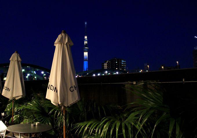 隅田川沿いのカフェで夢見心地な時を。