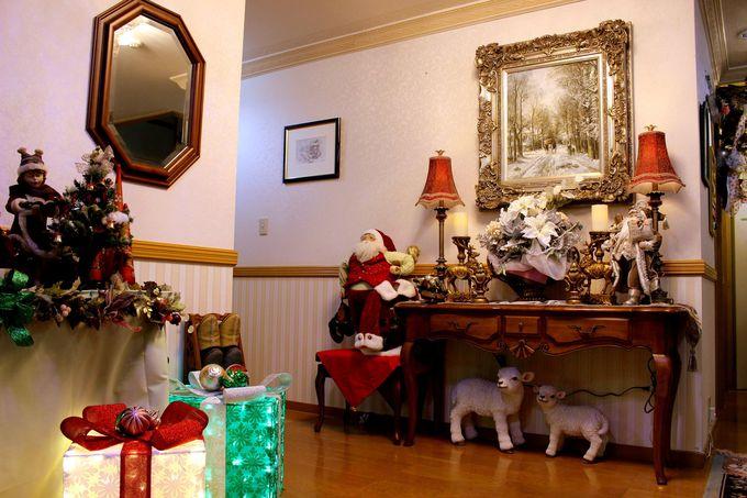 サンタさんと子羊さんたちに迎えられて!クリスマスステイの始まり