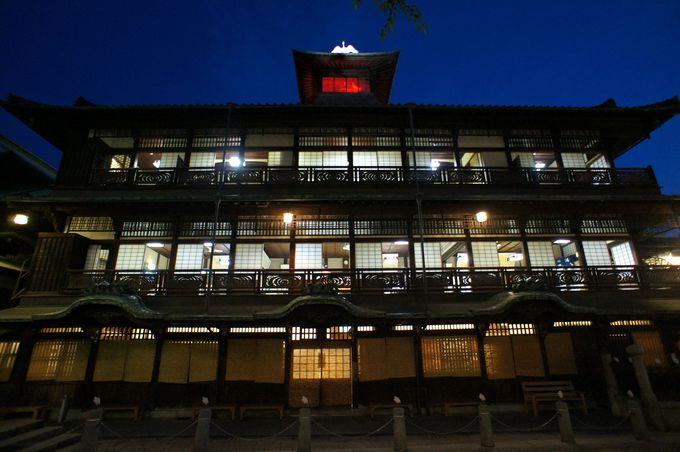 国の重要文化財指定・ミシュラン三ツ星獲得の「道後温泉本館」