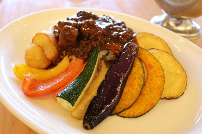 フレッシュ野菜&フルーツを贅沢に使うメニューの魅力