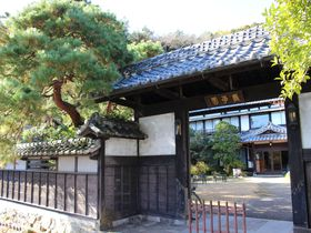 足利「旅荘・巖華園」俳優や作家も訪れる文化財ステイの魅力