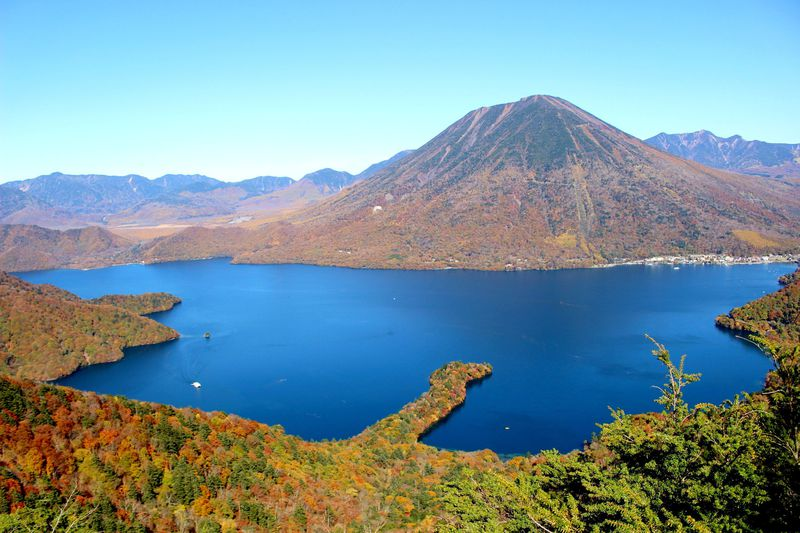 日光・半月山&遊覧船で中禅寺湖の絶景を堪能!