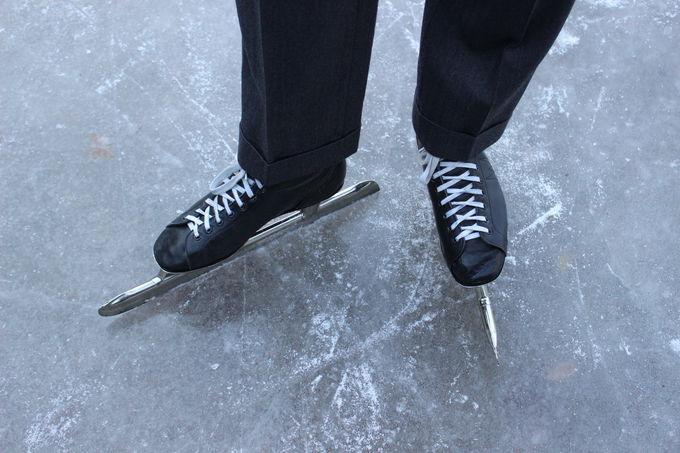 金谷ホテルのスケートリンクでレトロなスケート&パーティー!