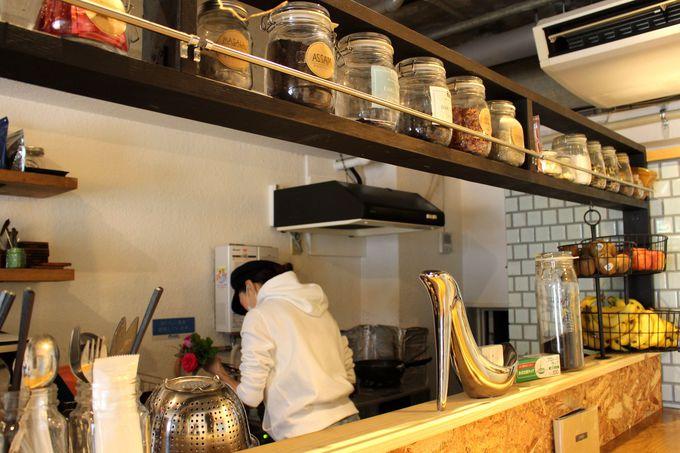 「JTRRD cafe」まるごとアートな美空間