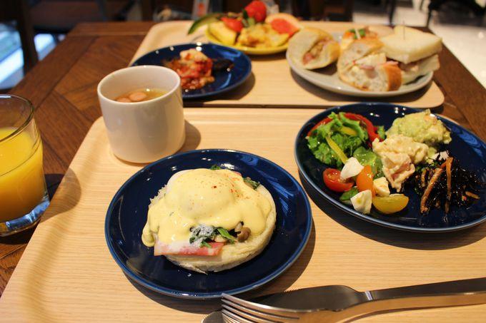 4.朝食ビュッフェの世界のサンドウィッチ&焼き立てパンが美味しすぎ!