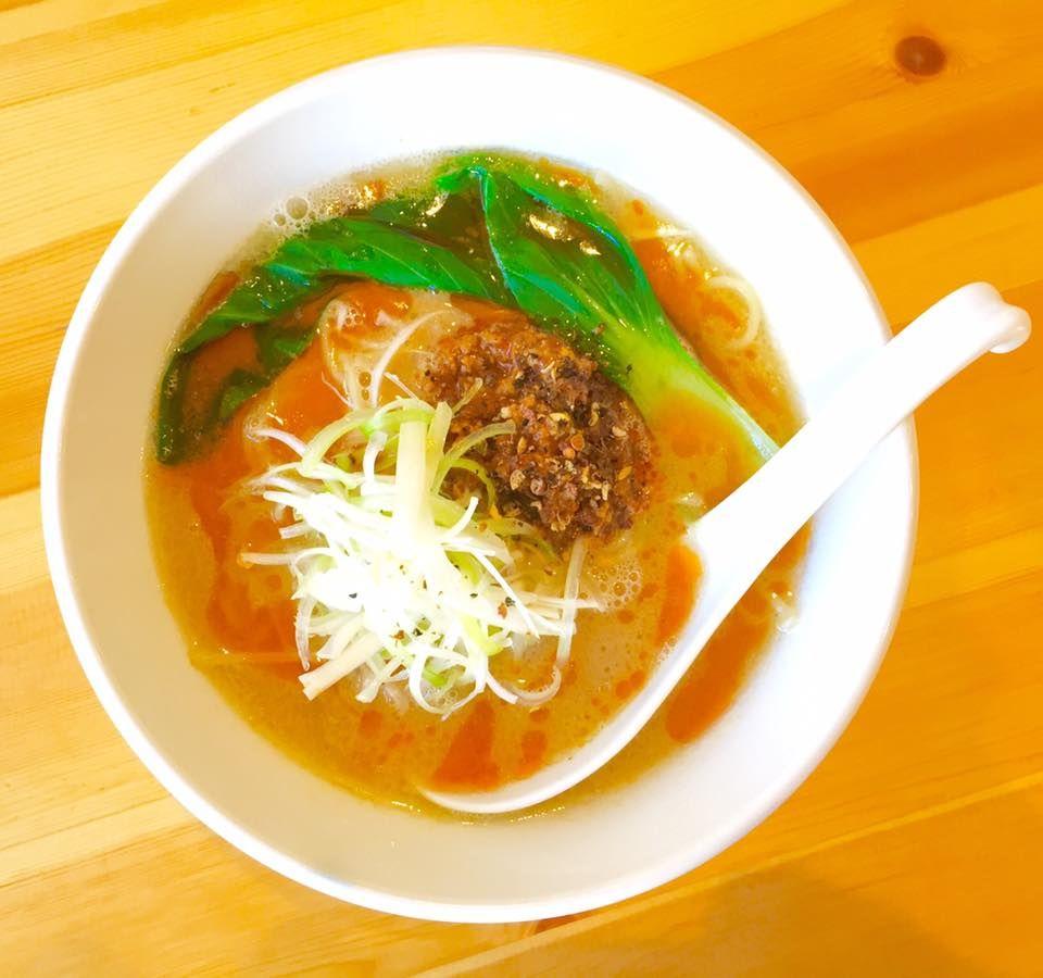 """「拉麺 吉法師」基本のスープは手間暇をかけた""""鶏白湯"""""""
