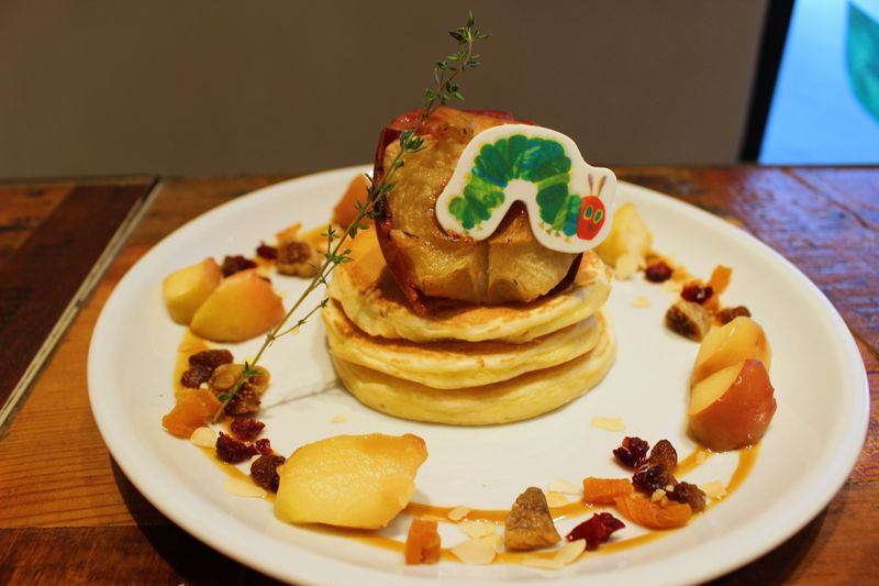 はらぺこあおむしパンケーキがキュンかわ!中野「J.S.PANCAKE CAFE」