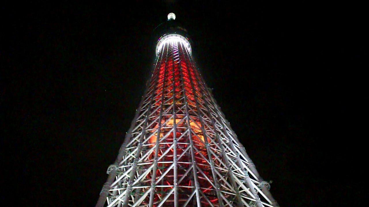 4.「東京スカイツリー(R)」の特別ライティングを楽しむ