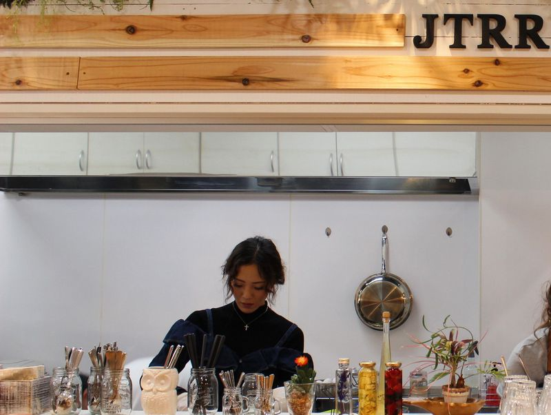 「JTRRD cafe」のスムージーは着色料を使わない!