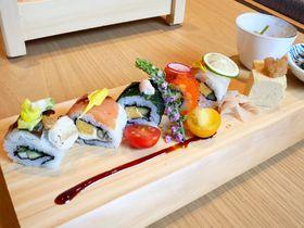 「三井ガーデンホテル銀座五丁目」で江戸の粋を。ロール寿司の朝食も