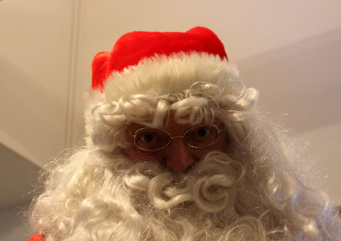サンタがカフェにやってくる!