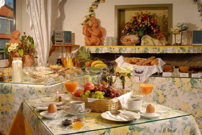 美味しくて豪華な朝食ビュッフェは一流ホテルにも負けない!
