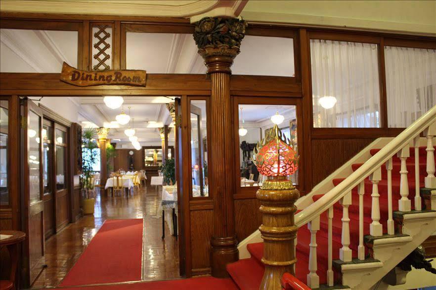 開業当初のロビーは、現在のホテル2階のダイニングルーム!