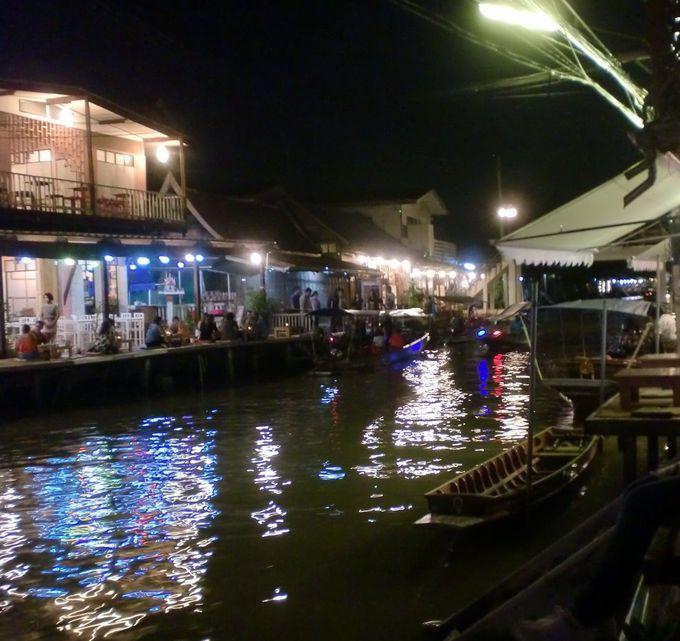 夜は川沿いのカフェでゆったり&ホタルツリーを求めてナイトツアーへ
