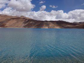 インドの秘境!標高4300mの絶景!天空の湖パンゴンツォ