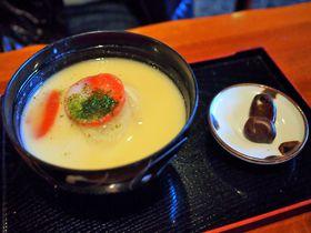 話題沸騰「あんもち雑煮」が通年食べられる!香川・屋島の「桃太郎茶屋」