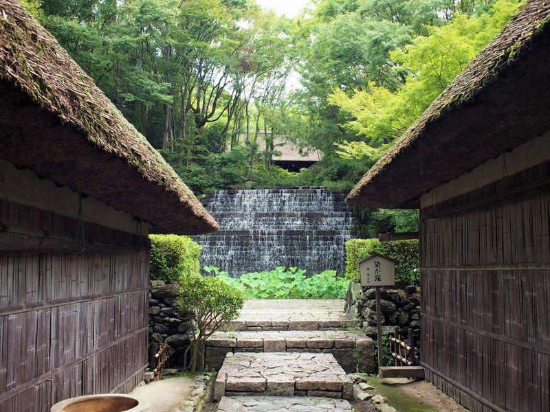 かずら橋から美術館&古民家うどんまで満喫!高松「四国村」は癒しの野外博物館