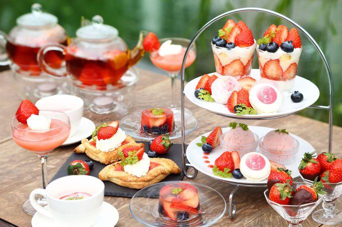 フルーツが贅沢にたっぷり使われたパフェ