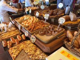 最も売れたギネス記録を持つ船橋のパン屋「ピーターパン」へ行こう!