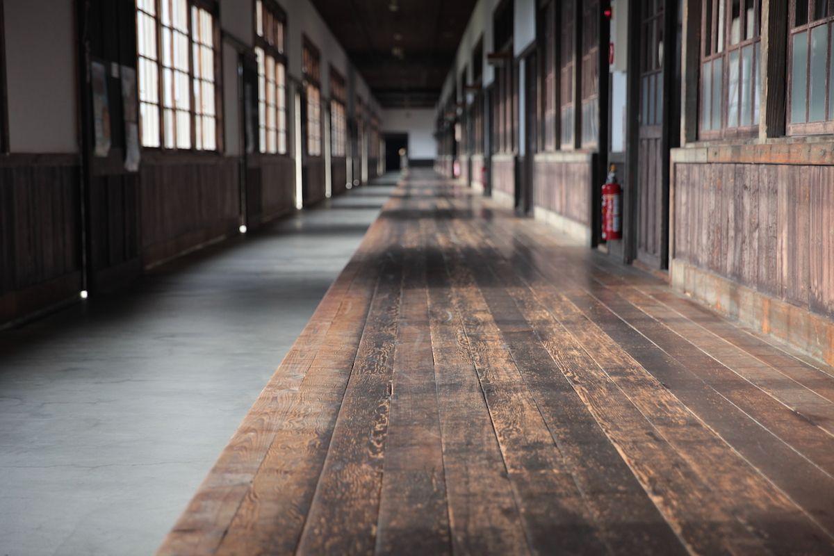 日本一長い廊下を持つ小学校!