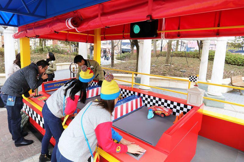 東京ディズニーシー「ピクサー・プレイタイム」をさらに満喫!ゲームブースとグッズ
