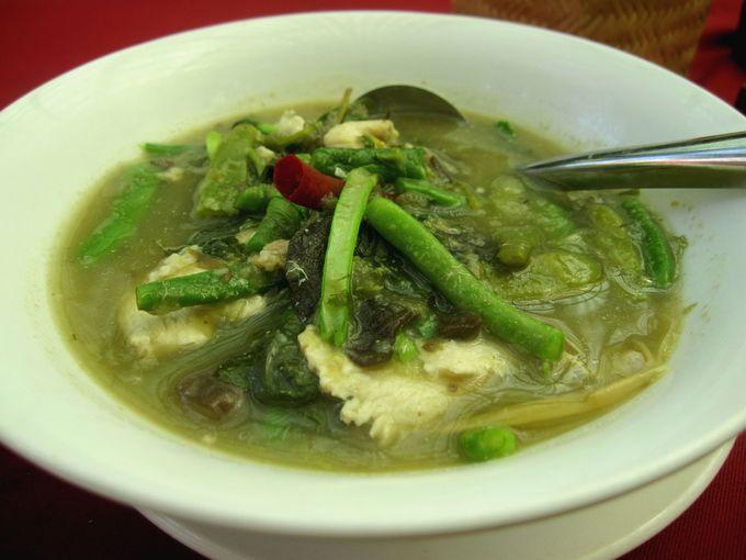 ラオス風シチュー「オラーム」は野菜たっぷりで満足度高し!
