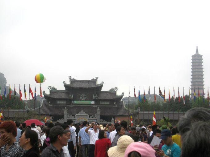 世界遺産すぐ隣に佇む、東南アジア最大の仏教寺