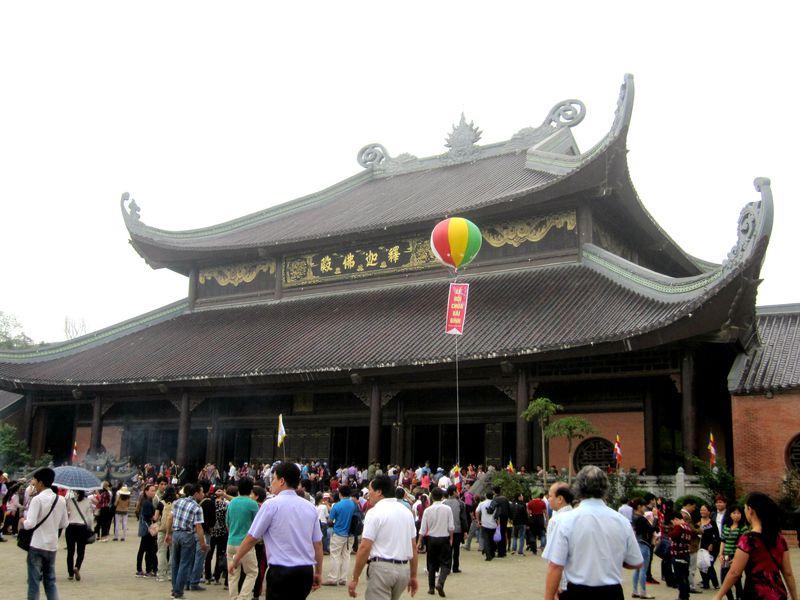 東南アジア最大!ベトナム「バイディン寺」の魅力に迫る!