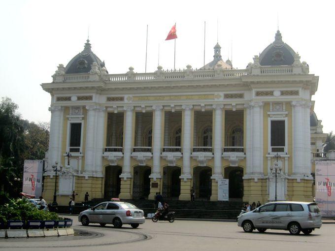 ホテル正面には、観光中一度は訪れてみたい一大観光地のオペラハウスが