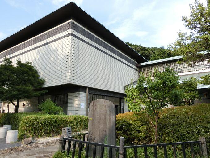 現存する最古の武家文庫、私設図書館の先駆け。金沢文庫