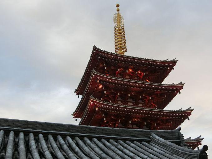 浅草寺を彩る匠の技!刻々と変化する「五重塔」の建築美