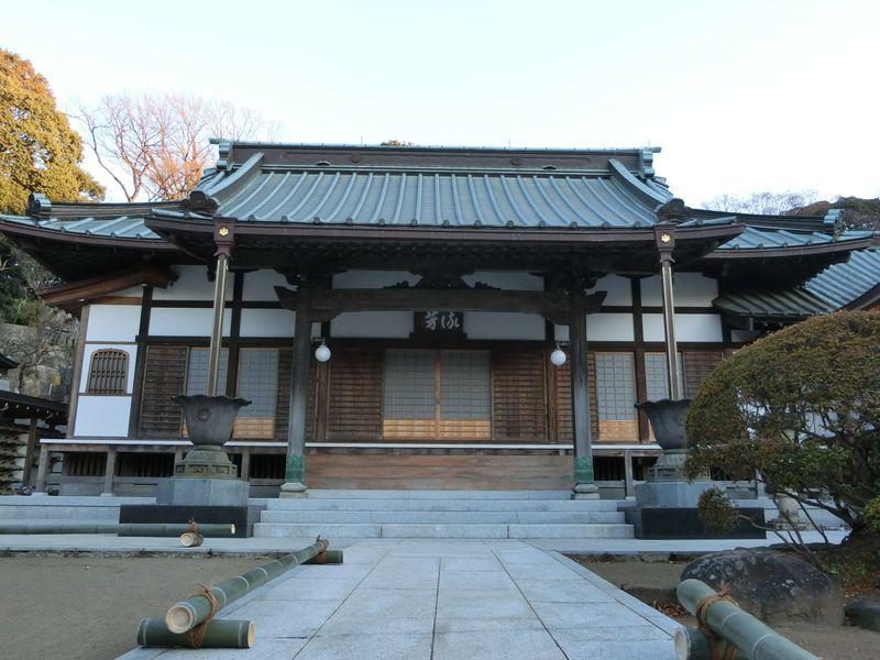 息を飲む荘厳な山門!宿内随一の規模を誇る「高松寺」