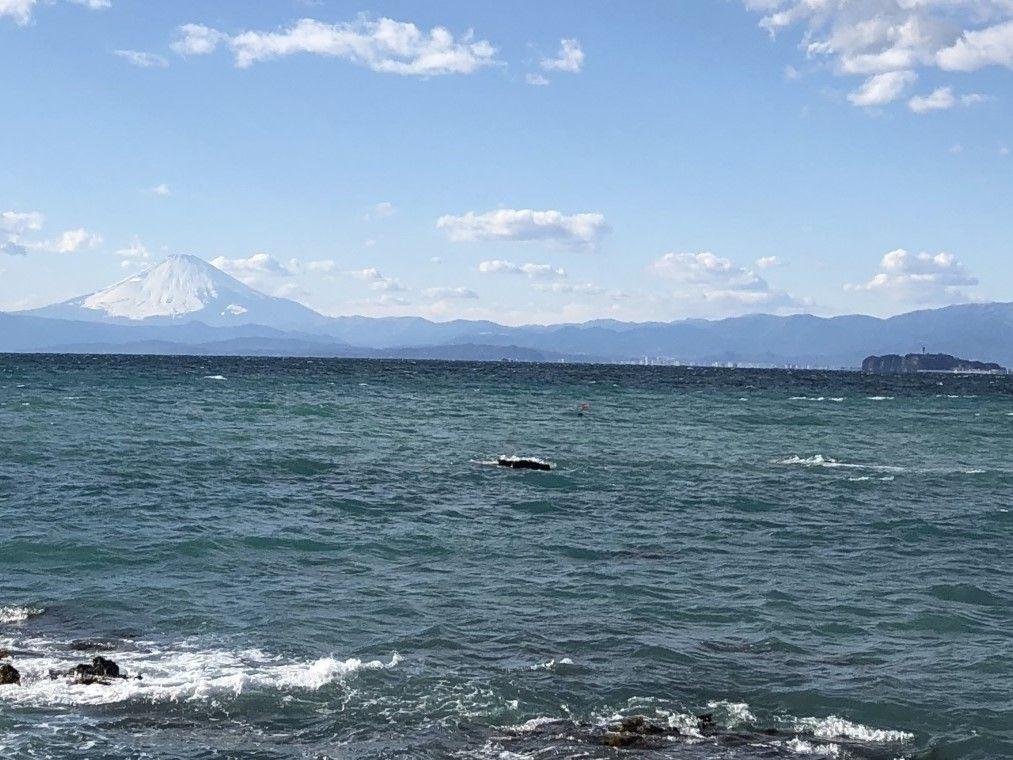 葉山の絶景スポット!水平線の先にそびえる富士山に驚嘆!