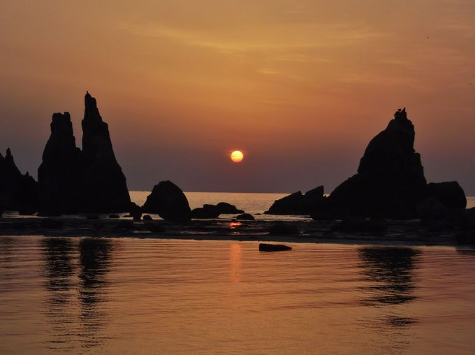 橋杭岩を前景に見る日の出は最高にファンタスティック!