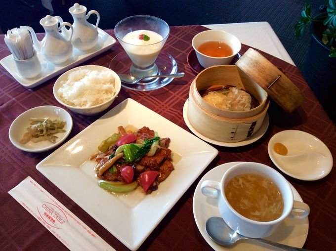 ランチタイムは本格中国料理をお手頃価格で
