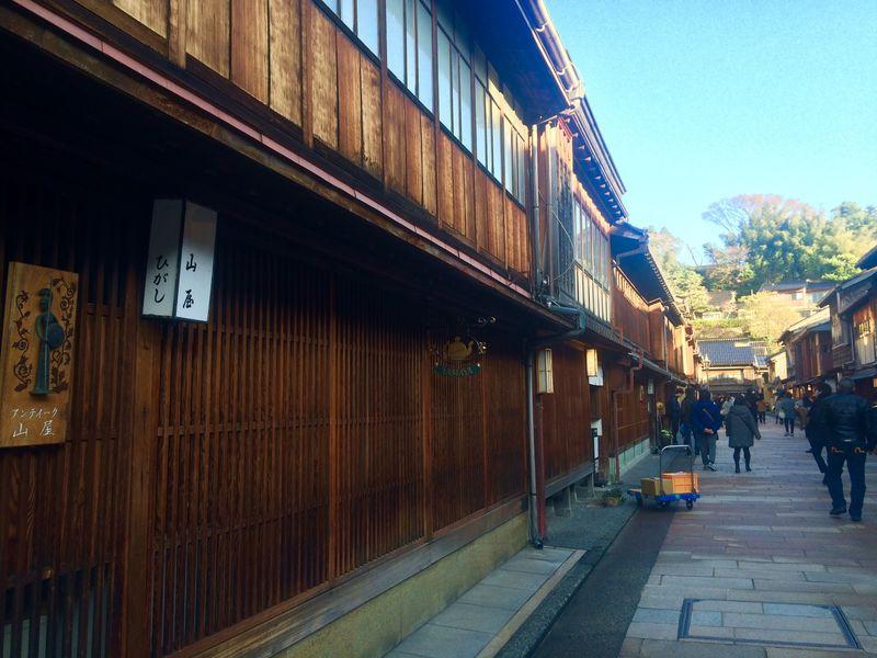風情ある景色に溶け込んだ「ホテル金沢 兼六荘」で旅の疲れを癒やしませんか?