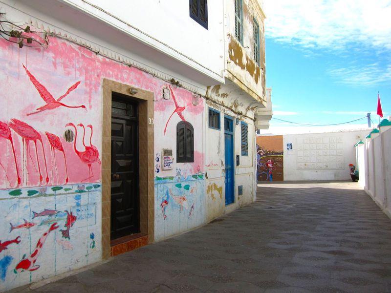 毎年風景が変わるアートな街!モロッコの港町アシラ