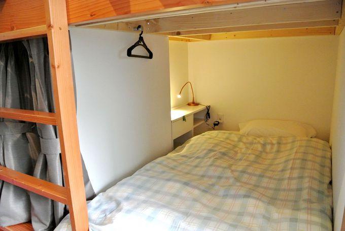 作り付けのベッドで個室気分
