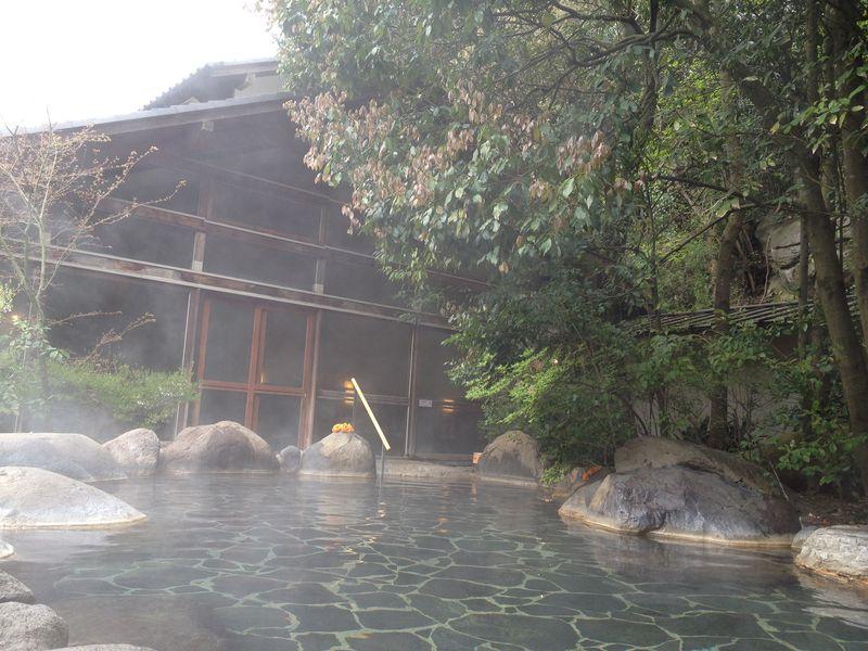 絶景美肌の湯ととろっとろの温泉湯豆腐で身も心もほっこり。嬉野温泉・椎葉の湯