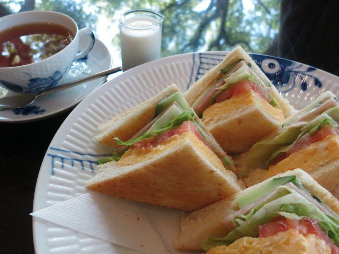 「大阪市立東洋陶磁美術館」1階の喫茶「サロン」