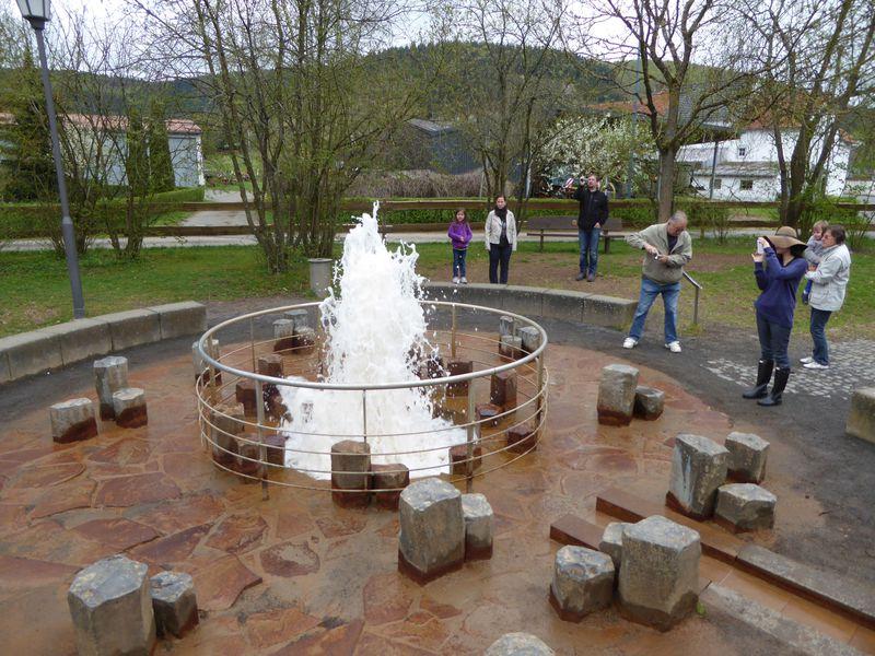 ドイツ・あの炭酸水が飲み放題の公園と水が噴き出る村「ウォーレンボーン」