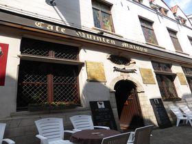 アントワープ最古のビアカフェ「クインテマティス」は大人リッチな空間!