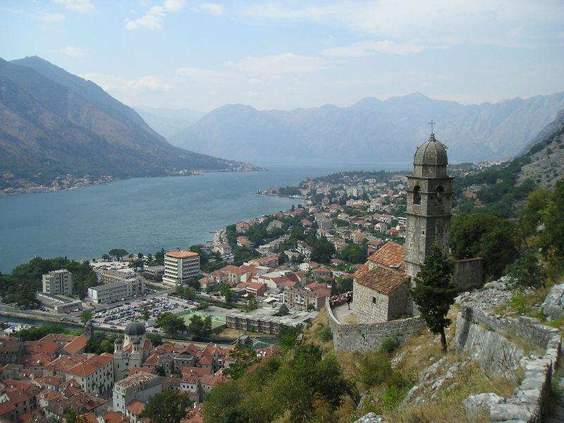 世界遺産のコトル!旧市街の町並み&城壁から見渡す絶景を満喫しよう