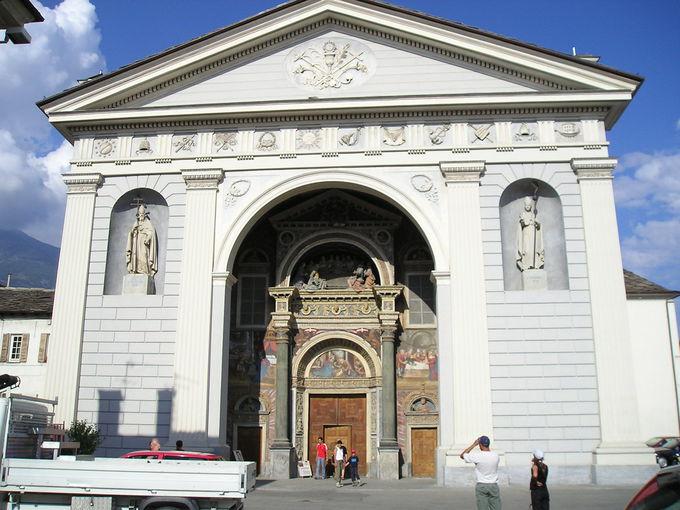 美しい装飾の大聖堂
